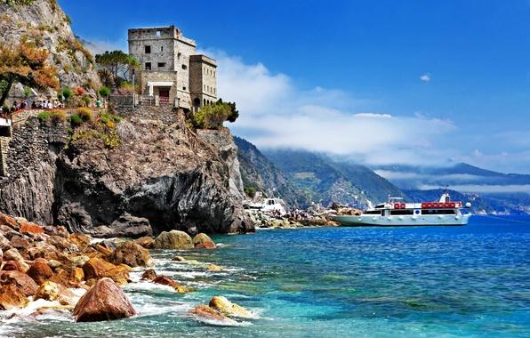 Картинка море, зелень, небо, деревья, пейзаж, природа, город, камни, скалы, побережье, лодки, Италия, крепость, Italy, Монтероссо-аль-Маре, …