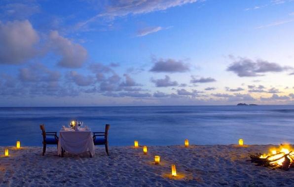 Картинка пляж, океан, романтика, свечи, костер, beach, romantic, ужин, dinner