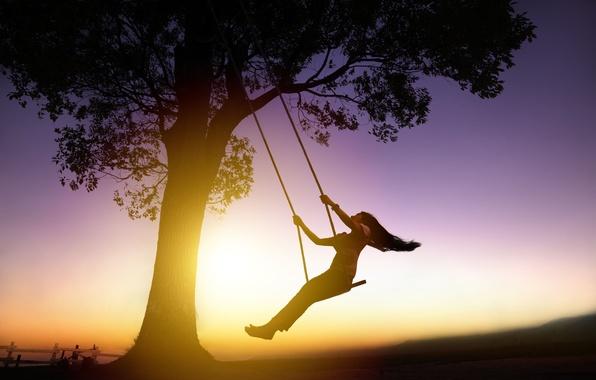 Картинка девушка, солнце, закат, фон, качели, дерево, обои, настроения, волосы, человек, брюнетка, силуэт, широкоформатные, полноэкранные