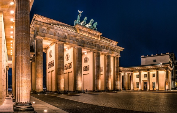 Картинка ночь, город, Германия, освещение, площадь, архитектура, Germany, Deutschland, Берлин, Berlin, Brandenburger Tor, Бранденбургские ворота