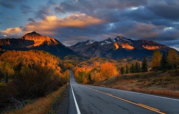 Фото обои дорога, закат, горы