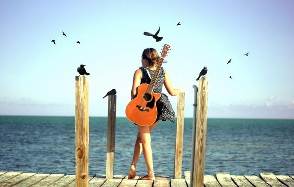 Картинка море, девушка, птицы, настроение, гитара