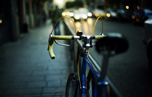Картинка дорога, car, машина, велосипед, city, город, огни, фон, обои, улица, настроения, фары, размытие, вечер, wallpaper, …