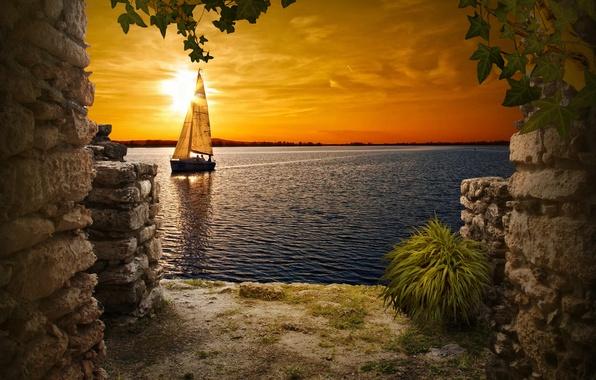 Картинка небо, закат, озеро, лодка, яхта, окно, развалины, парус