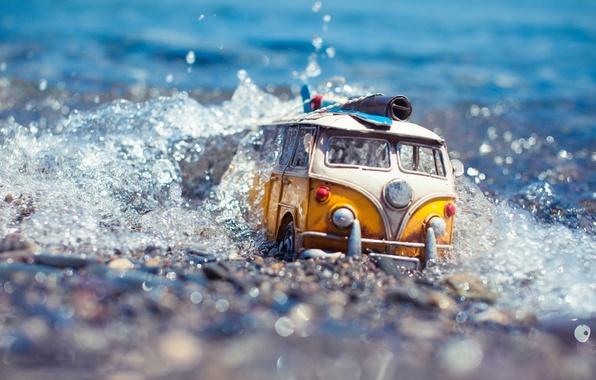 Картинка авто, вода, макро, брызги, модель, игрушка, съемка, машинка, путешествие, toy, photo, photographer, миниатюра, препятствие, микроавтобус, …