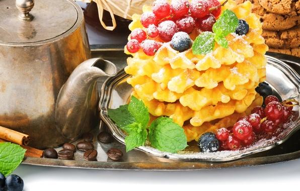Картинка ягоды, кофе, еда, зерна, завтрак, чайник, печенье, черника, корица, красная, смородина, вафли, поднос