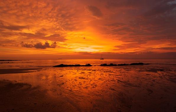 Картинка море, небо, вода, облака, гладь, камни, океан, берег, побережье, лодка, пейзажи, небеса, корабль, корабли, яхты, ...