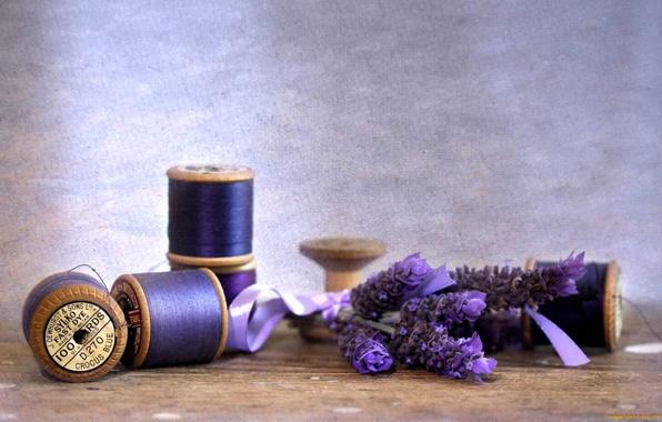 Картинка цветы, лента, нитки, лаванда, катушки