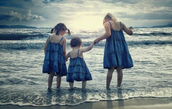 Картинка море, дети, девочки, прибой, сёстры