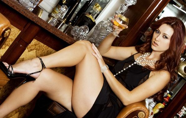 Картинка бар, платье, бусы, ножки, красивые, karlie montana