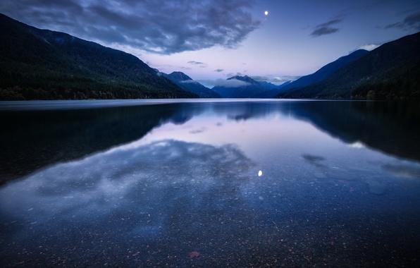 Картинка лес, небо, вода, облака, горы, ночь, озеро, гладь, отражение, луна, США, синее, сиреневое, Национальный Парк, …