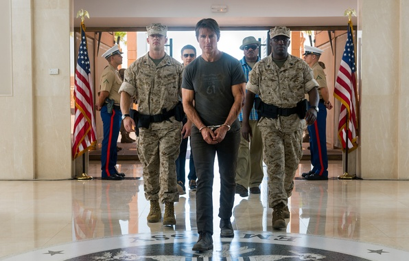 Картинка агент, наручники, Том Круз, конвой, Tom Cruise, Джереми Реннер, Jeremy Renner, заключенный, Ethan Hunt, Винг ...