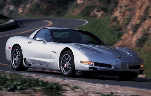 Картинка дорога, фон, Z06, Corvette, Chevrolet, серебристый, Шевроле, суперкар, передок, Корвет