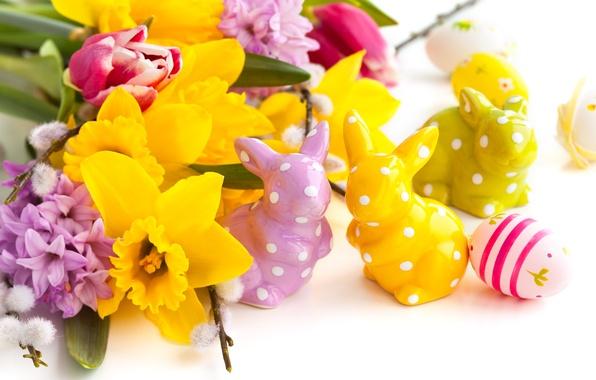Картинка цветы, праздник, яйца, весна, Пасха, кролики, тюльпаны, сирень, нарциссы, Easter, статуэтки, пасхальные