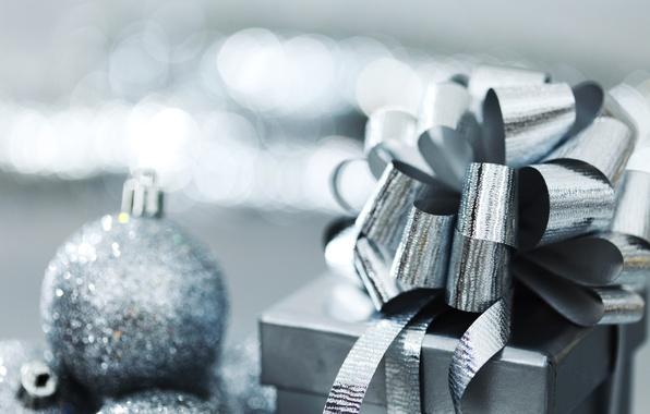 Картинка праздник, коробка, подарок, игрушки, новый год, лента, декорации, бант, happy new year, christmas decoration, новогодние …