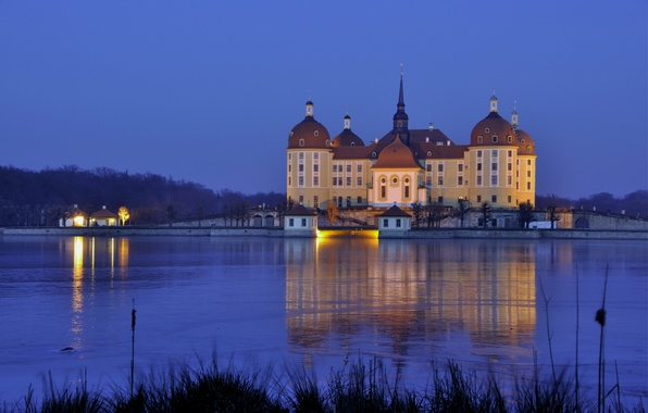 Картинка вода, свет, огни, отражение, замок, вечер, Германия, Саксония, Морицбург