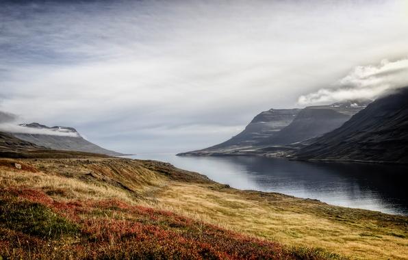 Картинка осень, небо, трава, облака, горы, туман, озеро, утро