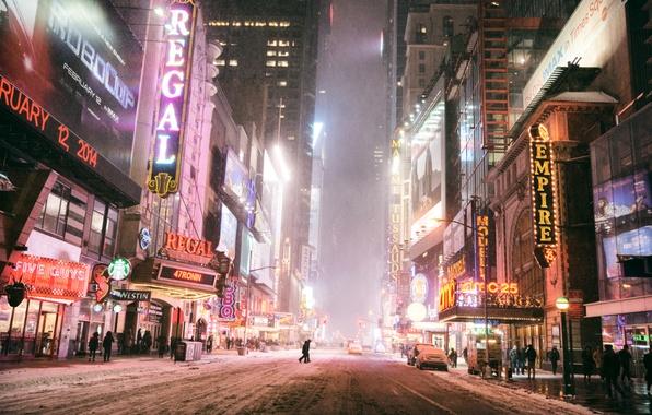Картинка зима, дорога, машины, ночь, город, огни, люди, улица, здания, Нью-Йорк, небоскребы, вывески, USA, Манхэттен, Manhattan, …
