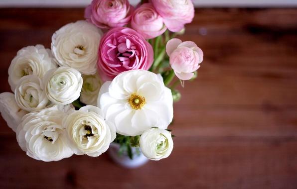 Картинка цветы, букет, лепестки, ваза, розовые, белые, бутоны, лютики, ranunculus