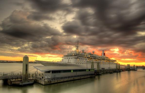 Картинка закат, Liverpool, MV Boudicca