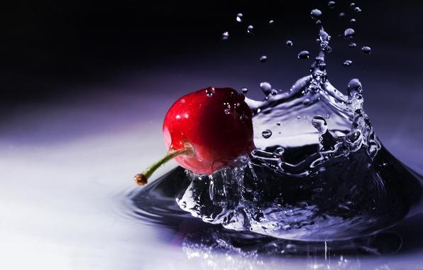 Картинка вода, капли, макро, брызги, вишня, ягода, плод