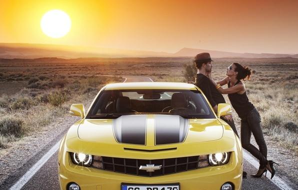 Картинка дорога, car, авто, небо, девушка, солнце, Chevrolet, Машина, парень