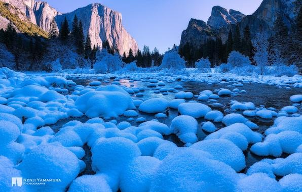 Картинка river, photographer, rocks, snow, Yosemite National Park, Kenji Yamamura