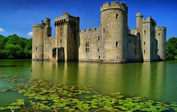 Картинка Англия, Небо, Вода, Озеро, Деревья, Лес, Замок, Лето, Башни, Ров, Бодиам, Castle, Bodiam