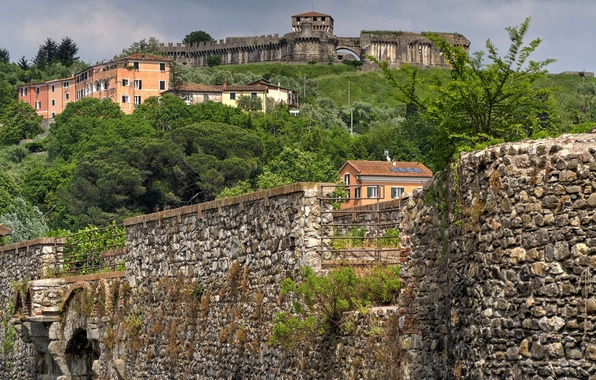 Картинка пейзаж, стена, башня, дома, Италия, крепость, Лигурия, Сарцана