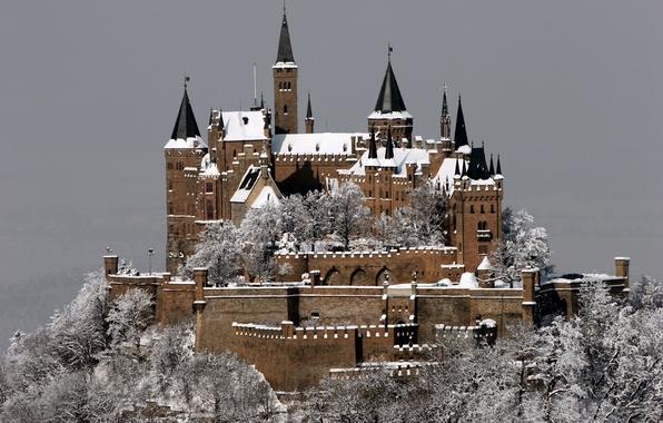 Картинка зима, иней, снег, город, замок, гора, Германия, Germany, Castle, Гогенцоллерн, Burg Hohenzollern, Штутгарт, in Winter, …