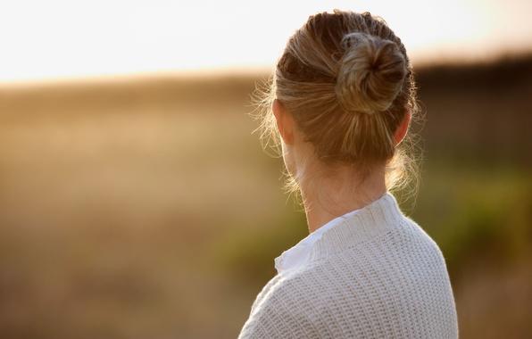 Картинка девушка, фон, widescreen, обои, настроения, волосы, размытие, голова, светлые, wallpaper, широкоформатные, background, полноэкранные, HD wallpapers, …