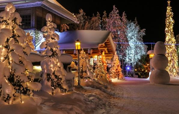 Картинка зима, снег, природа, фото, ель, снеговик, Финляндия, Lapland