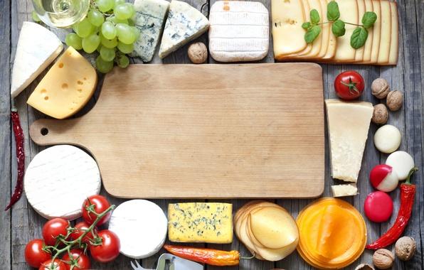 Картинка вино, белое, бокал, сыр, виноград, доска, перец, помидоры, лопаточка, грецкие орехи