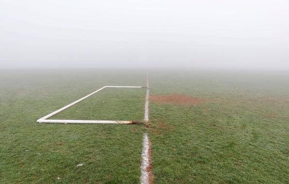 Картинка поле, туман, футбол, ворота