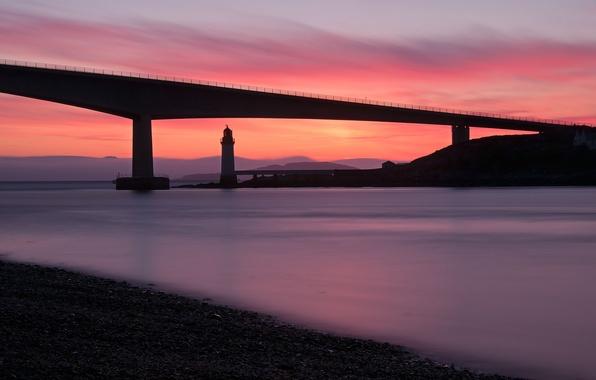 Картинка море, закат, мост, берег, маяк, вечер, Шотландия, Великобритания, штиль