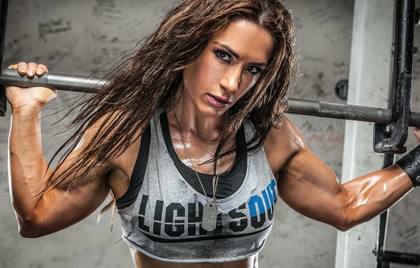 Картинка woman, muscles, look, bodybuilding, transpiration, weight bar