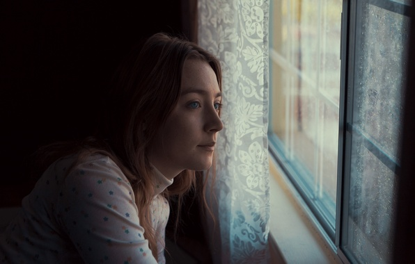Картинка взгляд, актриса, окно, Saoirse Ronan, Сирша Ронан, Stockholm Pennsylvania