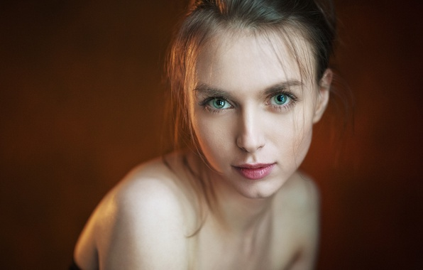 Обои Girl, Green Eyes, Photo, Brown, Model, Lips, Face, Portrait, Mouth, Simple -9382