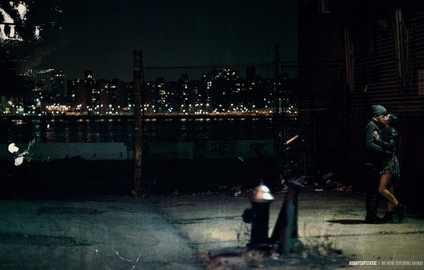 Картинка ночь, город, огни, поцелуй, 65daysofstatic, we were exploding anyway