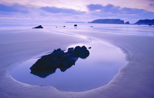 Картинка море, небо, вода, облака, закат, камни, скалы, сиреневый, спокойствие, тишина, цвет, вечер