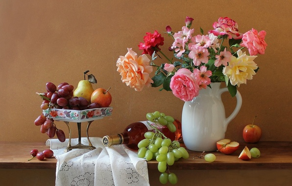 Картинка цветы, вино, яблоки, бутылка, розы, букет, виноград, кувшин, натюрморт