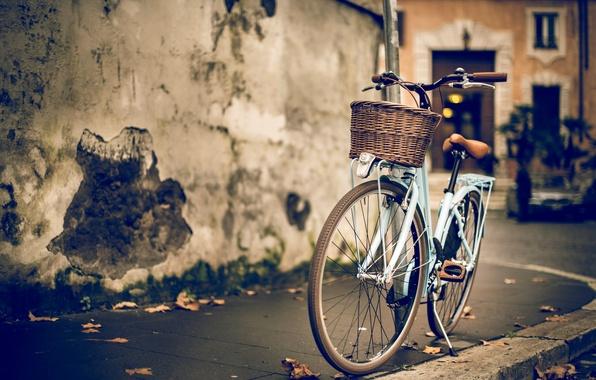 Картинка велосипед, дом, стена, улица, здание, размытость, бордюр