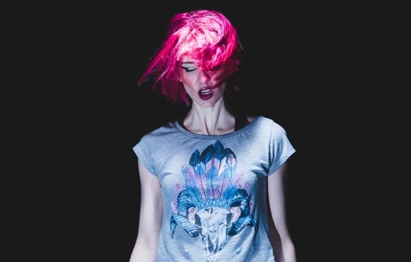 Картинка девушка, лицо, стиль, фон, волосы, цвет, майка
