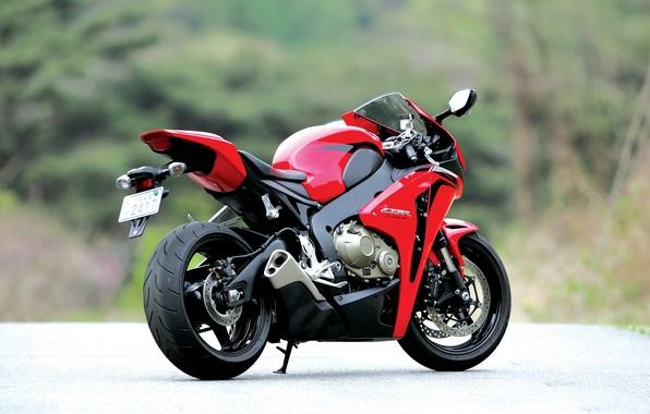 Картинка мотоцикл, red, honda, вид сзади, bike, хонда, выхлопная труба, cbr1000rr