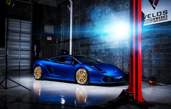 Картинка свет, Lamborghini, бокс, Gallardo, блик, синяя, ламборджини, blue, ламборгини, галлардо, подъёмник