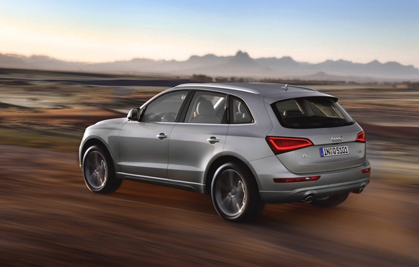 Картинка Audi, Авто, Машина, Серый, Серебро, Внедорожник, Вид сбоку, В движении