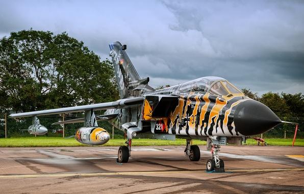 Картинка небо, истребитель, German, бомбардировщик, аэродром, Panavia Tornado