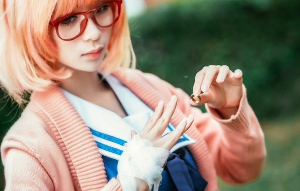Картинка девушка, лицо, волосы, цвет, рука, очки, пальцы, азиатка, колечко