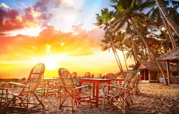 Картинка песок, море, небо, вода, облака, пейзаж, закат, природа, пальмы, океан, побережье, стулья, Кафе, Индия, хижины, …