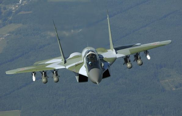 Картинка полет, истребитель, ракеты, вид спереди, бомбы, ВВС России, многофункциональный, МиГ-29СМТ, MiG-29SМТ, поколения 4+
